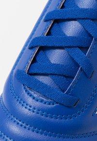 adidas Performance - COPA 20.4 IN - Halové fotbalové kopačky - royal blue/footwear white - 2