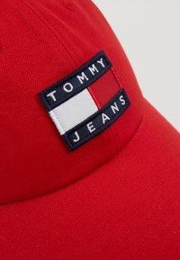 Tommy Jeans - HERITAGE - Czapka z daszkiem - red - 2