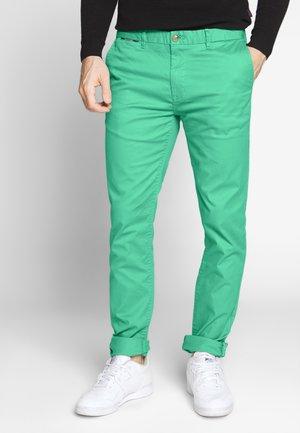 MOTT CLASSIC - Chino kalhoty - emerald