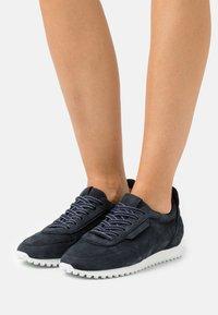 Kennel + Schmenger - CLUB - Sneakers laag - ocean - 0