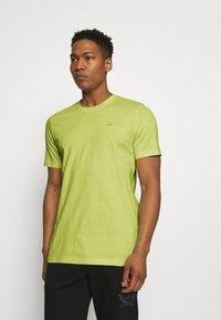 adidas Originals - ESSENTIAL TEE - T-shirt - bas - yellow tint - 0