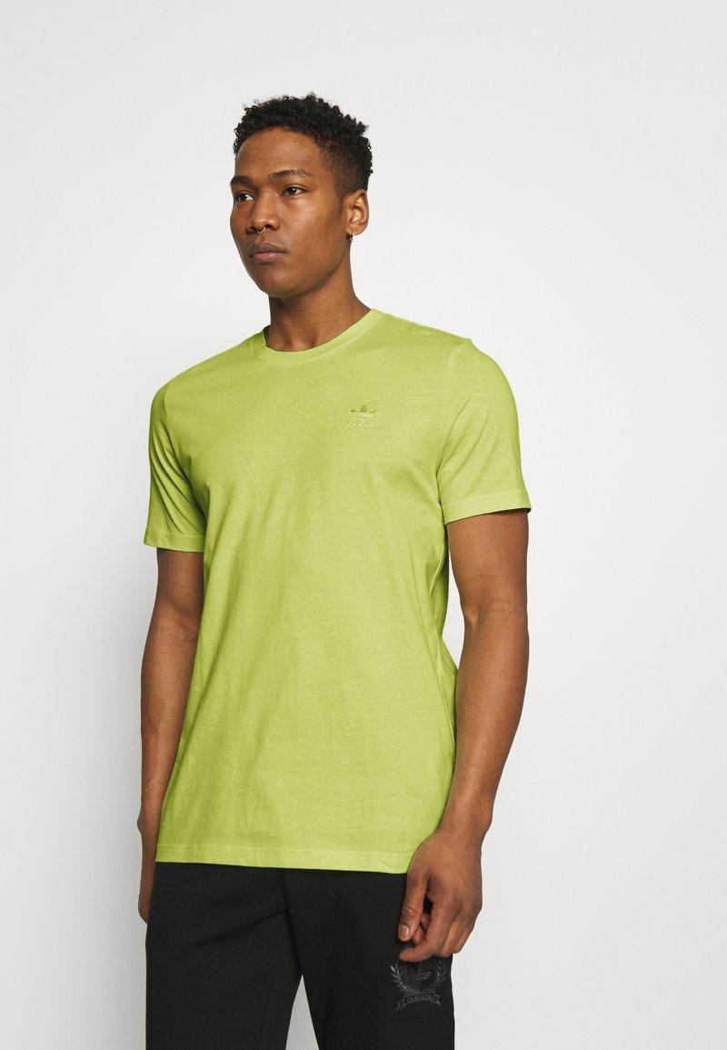 adidas Originals - ESSENTIAL TEE - T-shirt - bas - yellow tint