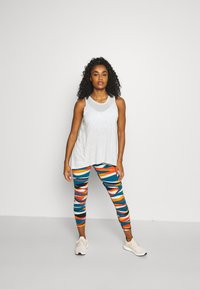 Sweaty Betty - POWER 7/8 WORKOUT LEGGINGS - Tights - orange hills print - 1