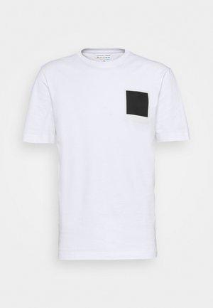POLAROID UNISEX  - Printtipaita - white
