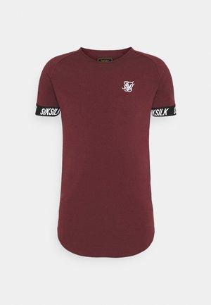 RAGLAN TECH TAPE TEE - Basic T-shirt - burgundy