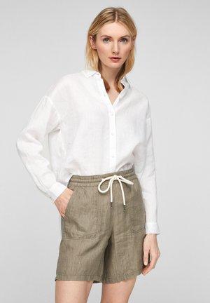 REGULAR FIT - Shorts - summer khaki melange