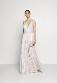 Luxuar Fashion - Abito da sera - champagner metallic - 1