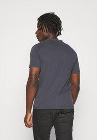 AllSaints - BRACE TONIC CREW - Basic T-shirt - aster blue - 2