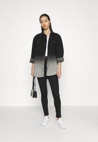 Cotton On - ULTRA HIGH SUPER STRETCH  - Jeans Skinny Fit - black - 1