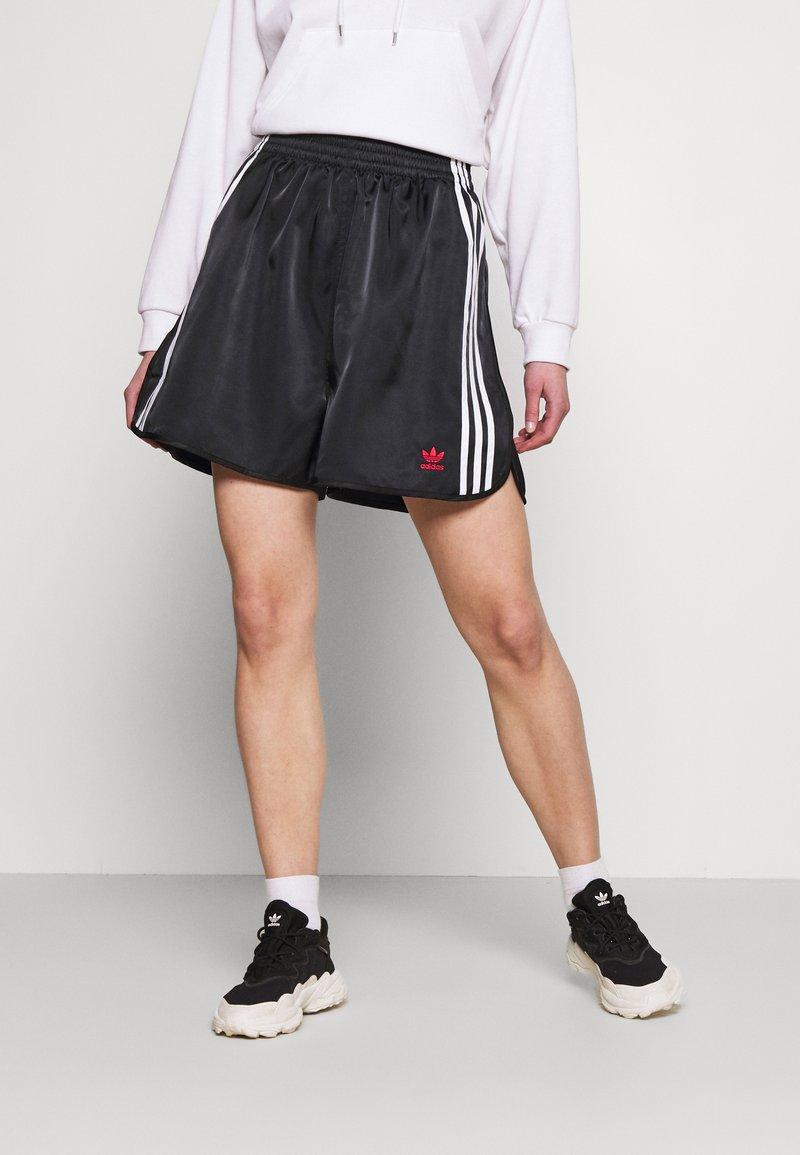 adidas Originals - BOXING - Shorts - black