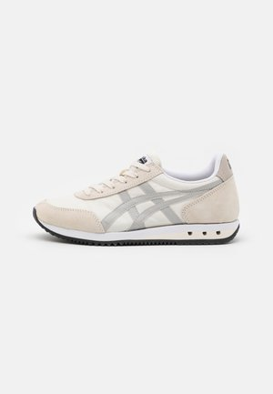 NEW YORK UNISEX  - Zapatillas - cream/oyster grey