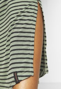 Brunotti - EMMA WOMEN DRESS - Doplňky na pláž - sage green - 4
