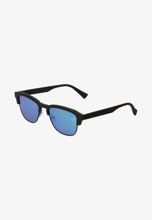 NEW CLASSIC - Solglasögon - black