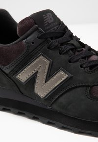 New Balance - 574 - Sneakers - black - 2