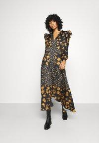 U Collection by Forever Unique - Długa sukienka - black /orange - 0