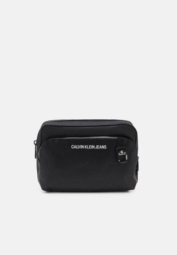 WAISTBAG UNISEX - Bum bag - black