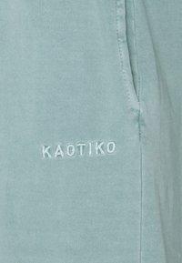 Kaotiko - PANT  - Tracksuit bottoms - green water - 2