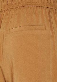 ONLY - ONLCILLE STRING CULOTTE - Trousers - toasted coconut - 5