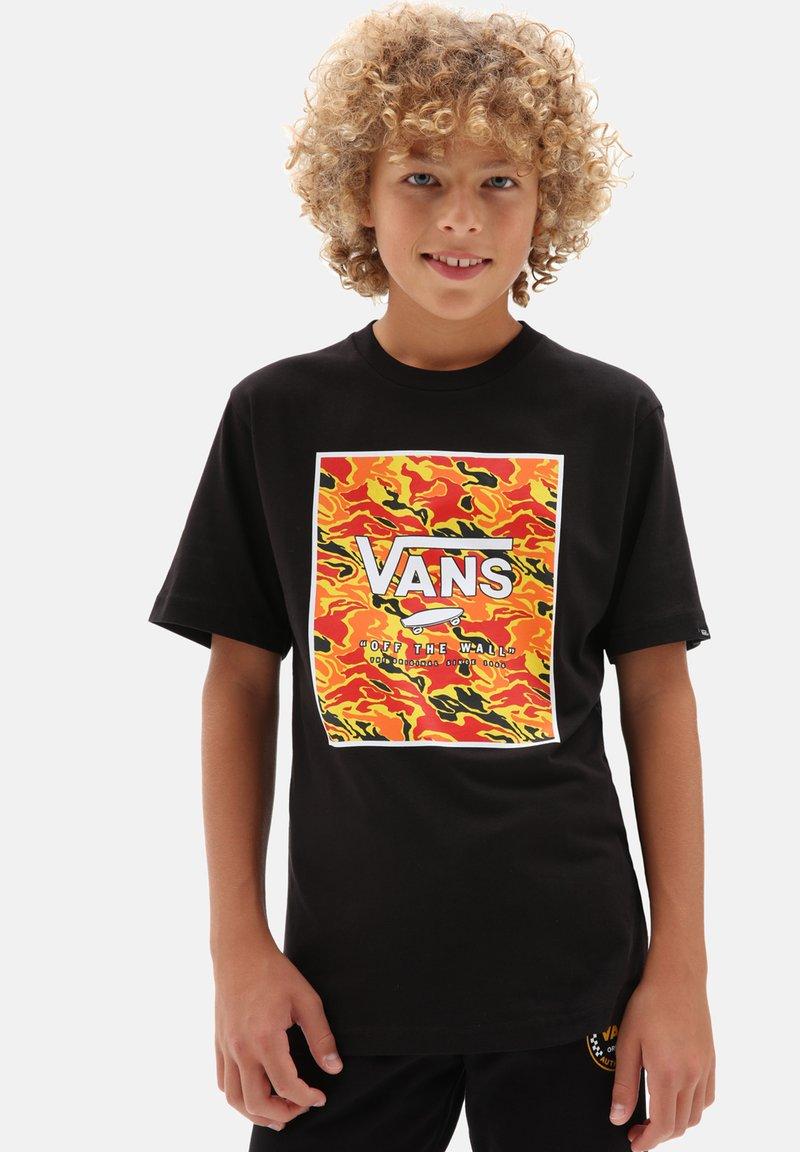 Vans - BY PRINT BOX BOYS - T-shirt print - black flame camo