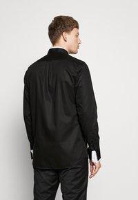 KARL LAGERFELD - MODERN FIT - Formální košile - black - 2