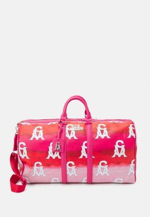 BHUE - Taška na víkend - hot pink