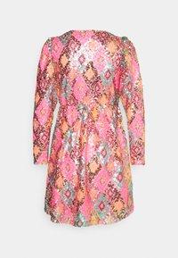 Vero Moda Petite - VMDIVA SEQUINS SHORT DRESS - Robe de soirée - hot pink - 1
