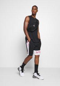 Jordan - AIR TOP - T-shirt de sport - black/white - 1