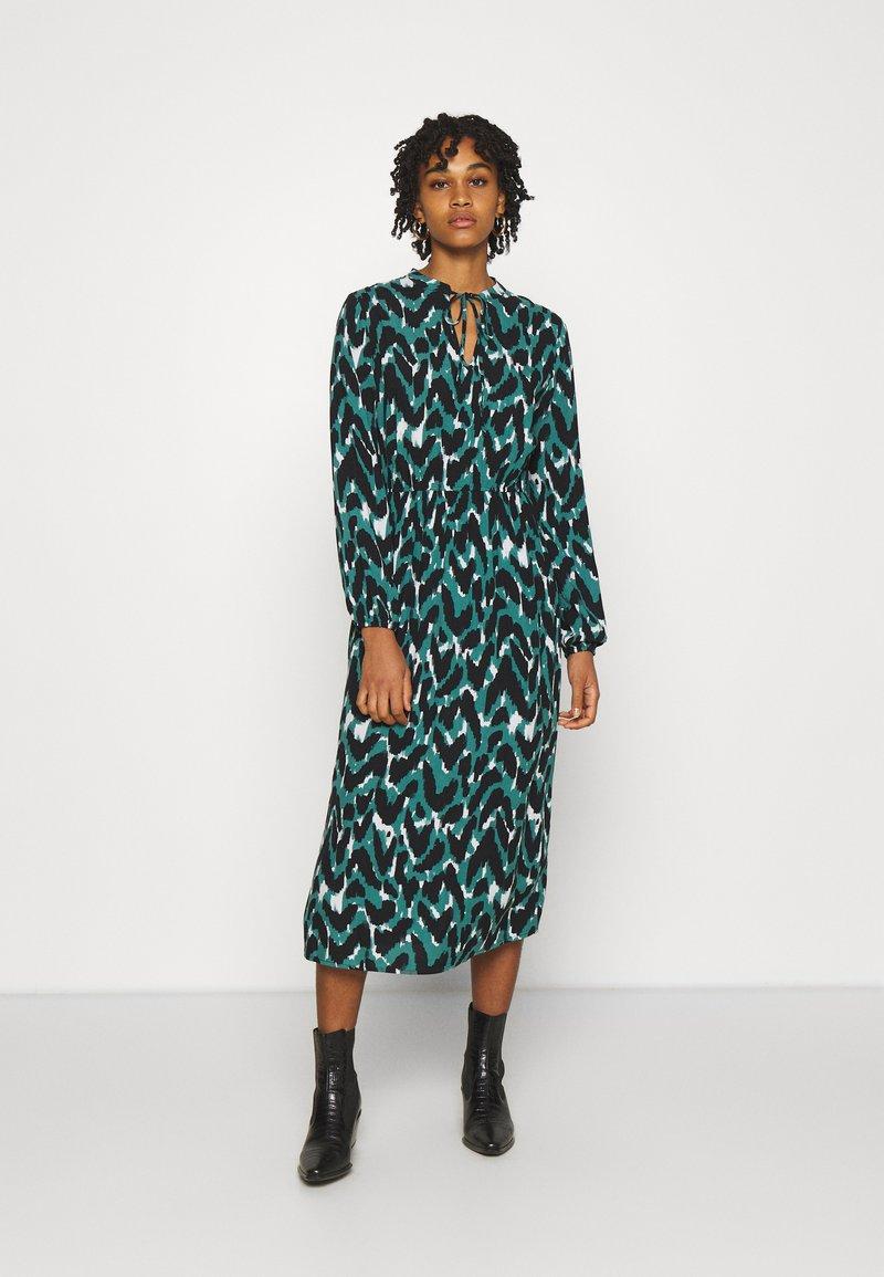ONLY - ONLGAGA MIDI DRESS - Day dress - cloud dancer/green/black