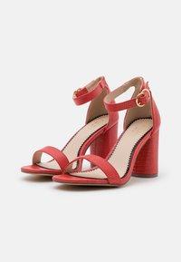 Miss Selfridge Wide Fit - WIDE FIT SOPHIA 2 PART BLOCK HEEL - Sandaalit nilkkaremmillä - red - 2