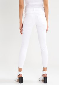 Vila - VICOMMIT - Jeans Skinny Fit - optical snow - 2