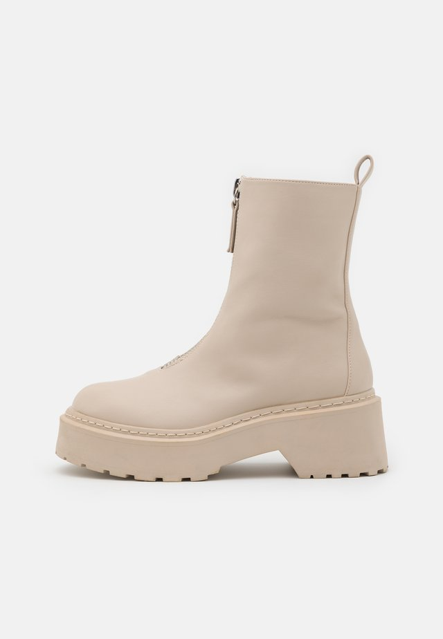 ZIP UP DETAIL CHUNKY BOOTS - Platform ankle boots - sand