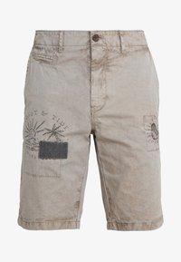 PANELED  - Shorts - moss