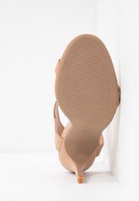 Rubi Shoes by Cotton On - SKYLAR STILLETTO - Sandaler med høye hæler - light taupe smooth - 6