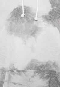 Nike Performance - HOODIE - Langærmede T-shirts - black/white - 5
