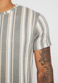 Topman - STRIPE SNIT - T-shirt con stampa - multicolored - 5