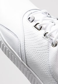 adidas Golf - ADICROSS PPF - Golf shoes - footwear white/silver metallic - 5