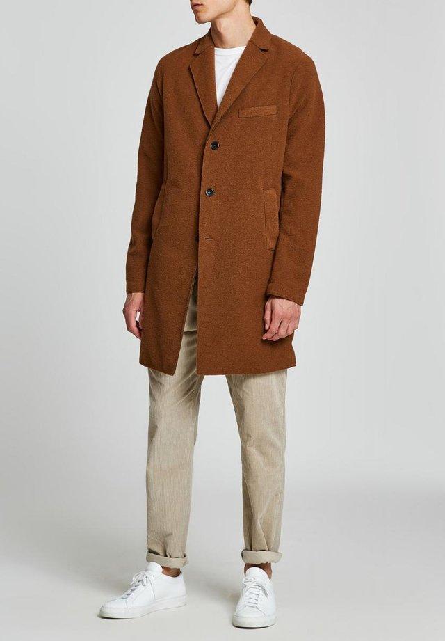 Classic coat - rust