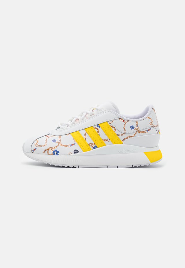 SL ANDRIDGE SPORTS INSPIRED SHOES - Trainers - footwear white/vapour pink/yellow