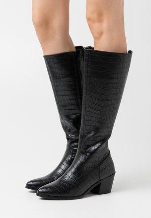 VMEA BOOT - Vysoká obuv - black