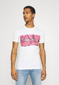 Pepe Jeans - RAURY - Print T-shirt - dark chicle - 0