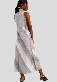 GESSICA - Maxi dress - schwarz und weiß - 2