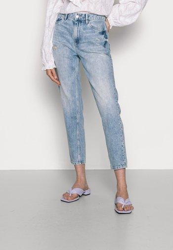 COO MOM FIT - Jean slim - blue light wash