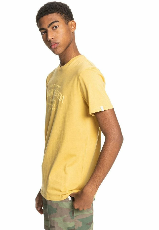WIDER MILE - Print T-shirt - rattan