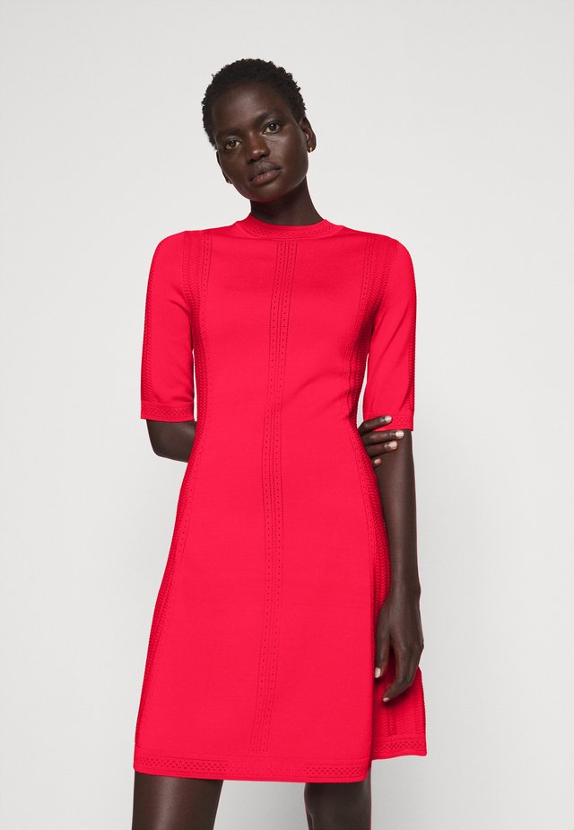 SHATHA - Vestido de punto - bright red