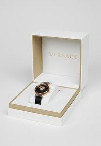 Versace Watches - PALAZZO EMPIRE GRECA - Reloj - black - 2