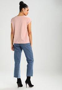 Vero Moda - VMAVA PLAIN - T-shirt basic - misty rose - 2