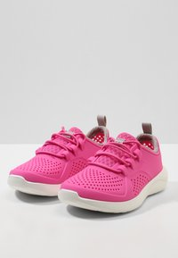 Crocs - LITERIDE PACER - Trainers - electric pink/white - 2
