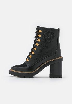 MILLER BOOTIE - Šněrovací kotníkové boty - perfect black