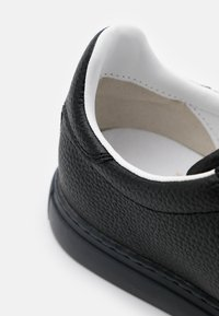 Armani Exchange - CLEAN CUPSOLE - Tenisky - black
