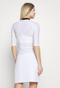 J.LINDEBERG - SANA LIGHT COMPRESSION - Sports shirt - white - 2